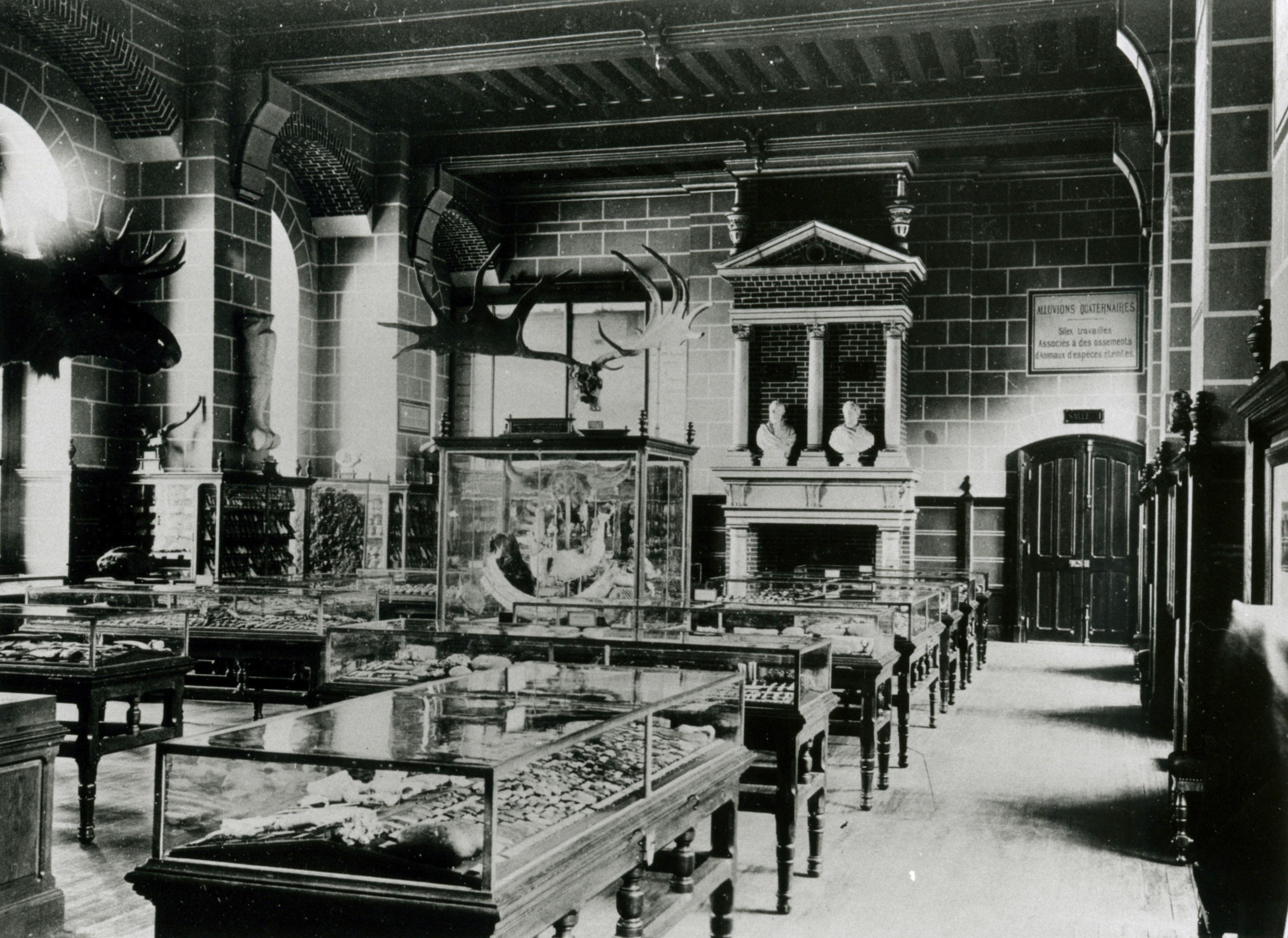 Cliché ancien de la Salle I à la fin des années 1860.