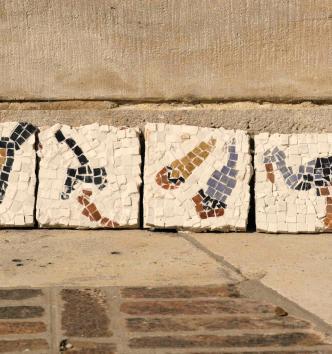 Atelier mosaïque au MAN