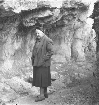 Suzanne Cassou de Saint Mathurin au Roc-aux-sorciers
