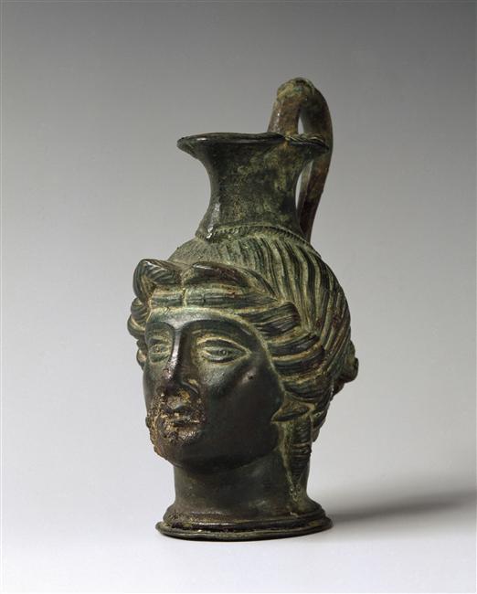 Vase verseur céphalomorphe - Bronze, patinée - 1er siècle - Chassenard (tombe)